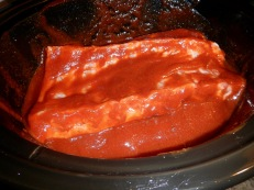 Ribs and sauce in the crock-pot
