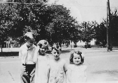 Philip, Peggy, Johnny (the birthday boy), and Betty Jean, in 1932