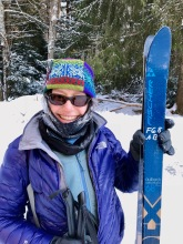 Souzz doing an Olympic pose (albeit with beater rental skis)